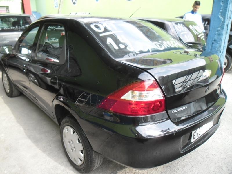 GM - Prisma - 2011